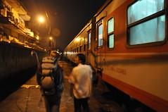 Arribats a Hanoi. Un amic del company de cabina ens va portar fins al centre