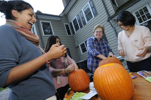 Pumpkin Carving 028
