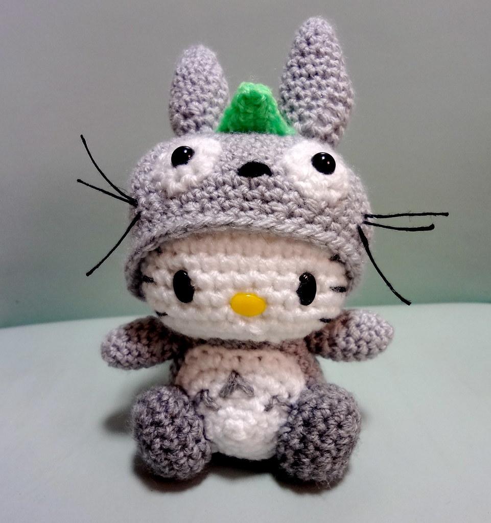 Miniature amigurumi Hello Kitty keychain (free crochet pattern ...   1024x961