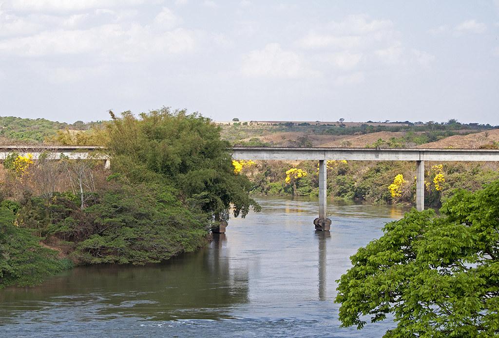 Pires do Rio Goiás fonte: live.staticflickr.com