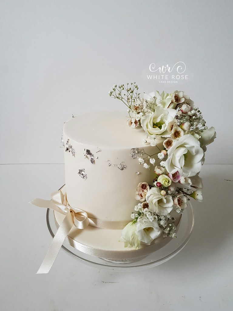 Single Tier Wedding Cake With Fresh Flowers By White Rose Flickr