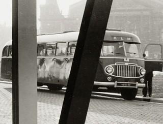 Ca. 1947 Crossley SD42/1 met Verheul body NB-62-44 KLM-busstation 1953