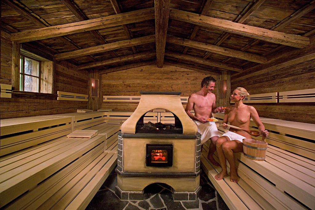 Alm Hütten Sauna im Hotel Paradies - www.hotelparadies.com