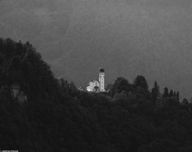 20110615_35 White mountain church, seen from Sisikon, Switzerland