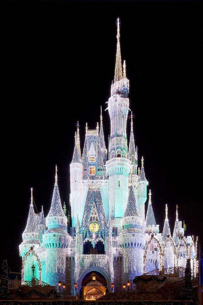 Cinderella Castle Christmas.Wdw Cinderella Castle With Christmas Dream Lights Flickr
