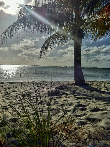 Key Biscayne Beach - unfiltered | by miamism