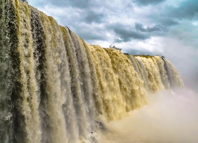 2.- Iguazú Falls