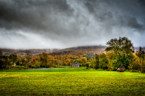fall autumn foilage day gloomy cloudy sky colors grass nature farm galric hay waterbury vermont nikkor nikon d7000 3518 g lens hdr high dynamic range photography fav10 landscape serene scenic field outdoor twilightfarm greenmountaingarlic