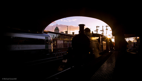 sunset station au australia trains victoria steam ballarat glint vlocity steamrail y112 k153