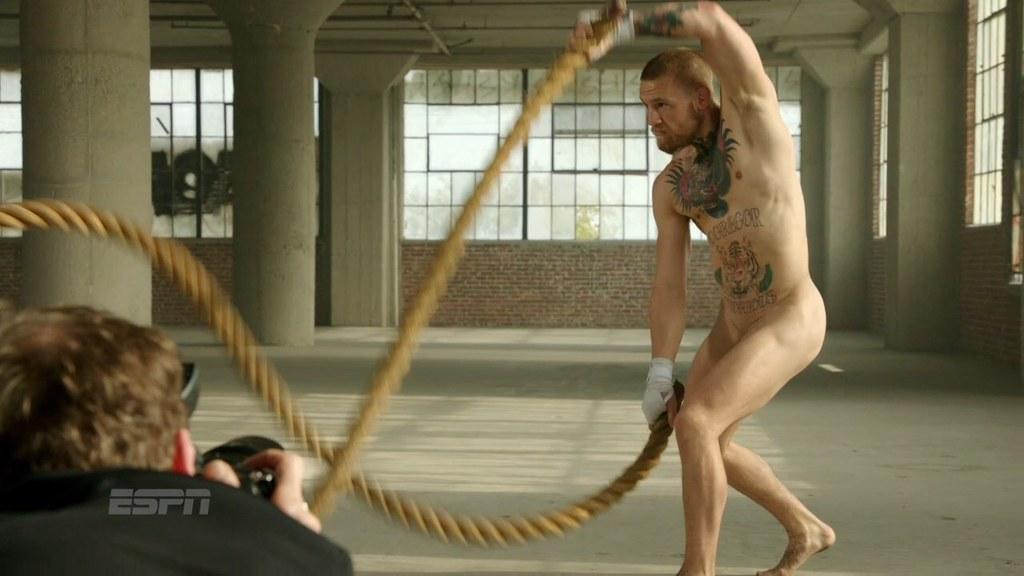 Irish fighter conor mcgregor naked