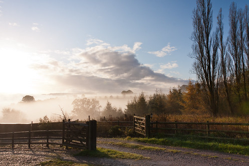 mist sunrise canon countryside goldenvalley herefordshire blackmountains eos40d rowlestone