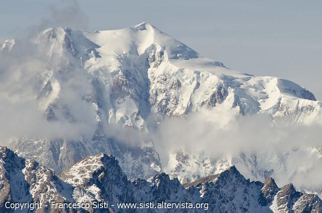 ...il capte le point de vue... - Mont Blanc - 4811mt (dalla Valle del Gran San Bernardo, Valle d'Aosta - Vallée d'Aoste)