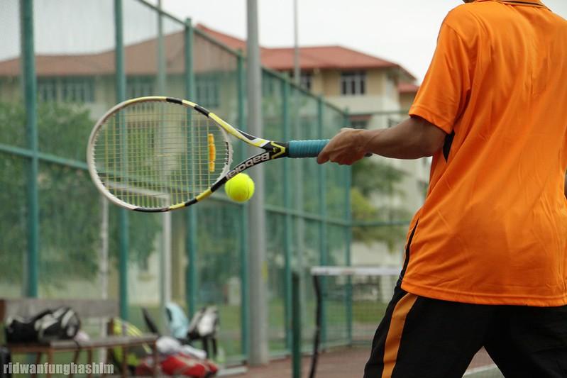 Left handed forehand