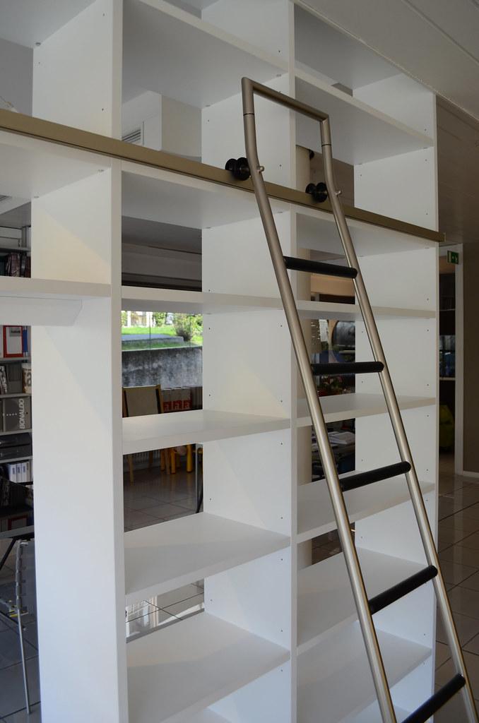 Outlet: libreria Tisettanta #1 | Per maggiori informazioni s… | Flickr