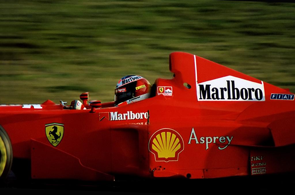 Michael Schumacher Al Correntaio Con La Ferrari F300 Tes Flickr