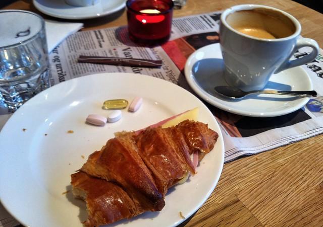 breakfast at te & kaffi