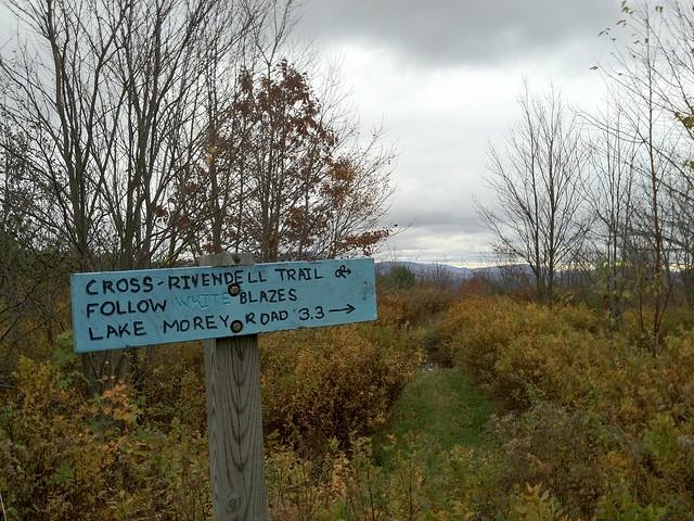 1:44:04 (63%): sign vermont hiking fairlee crossrivendelltrail baldtopmountain