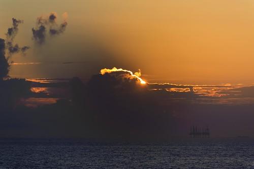 sun gulfofmexico sunrise nikon texas gulf porta tamron portaransas gulfcoast mustangisland horwath tamronlens coastalbend d700 rayhorwath mygearandmepremium tamron28mm300mmlens