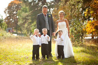 wedding cpl with grandchildren | by sebbesula
