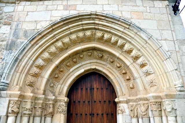 141 - Portada - Iglesia Ntra Sra Asunción - Uzquiano (Condado Treviño - Burgos) - Spain.