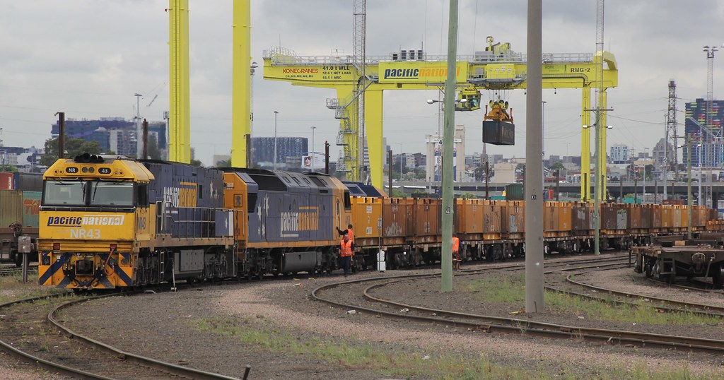NR43 and AN3 put together their train MP2 at South Dynon by bukk05
