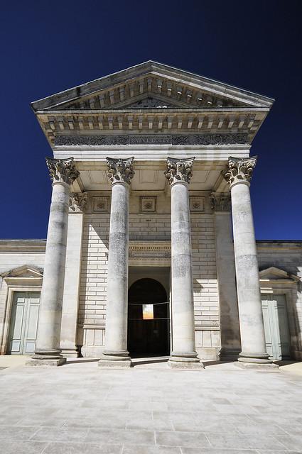 Rochefort colonnes - atana studio