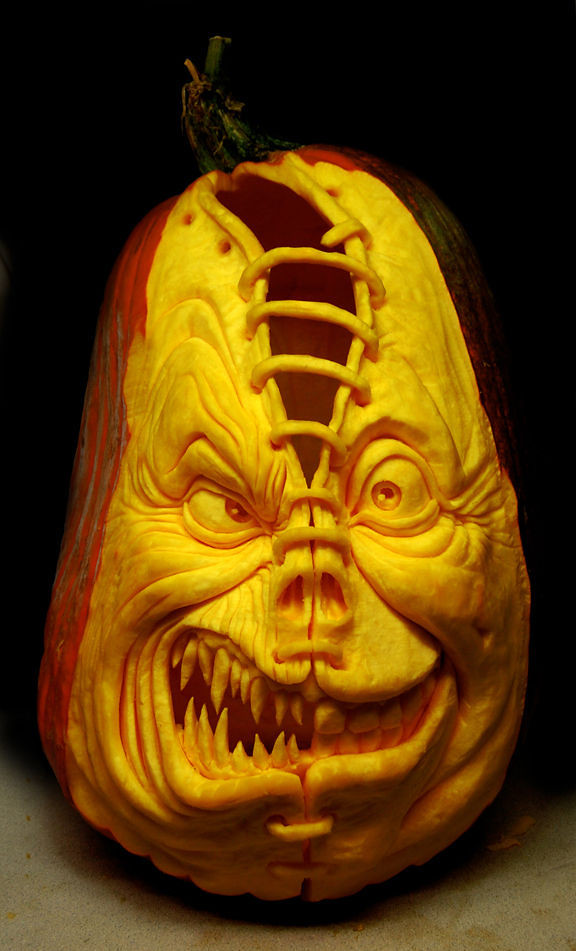 the_most_outrageous_pumpkin_carvings_ever_640_high_13