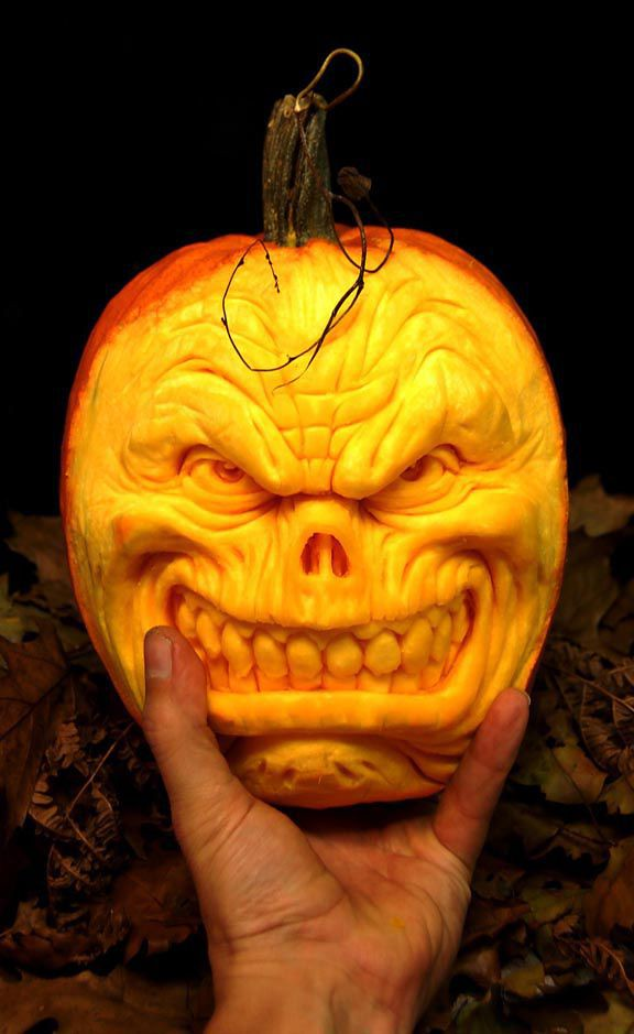the_most_outrageous_pumpkin_carvings_ever_640_high_10