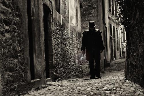 street light blackandwhite bw night landscape jack town blackwhite brittany noiretblanc lumière sony bretagne nb explore crime paysage rue nuit ville stmalo ripper noirblanc thriller illeetvilaine explored eventreur sal50f18 alpha550 dslr550 gifrancenov