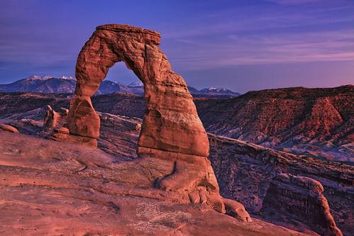 autumn sunset red mountains southwest west fall nature landscape utah nationalpark twilight arch purple arches moab geology redrock delicate archesnationalpark americanwest delicatearch lasal desertsouthwest 2011