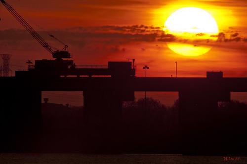 sunrise illinois nikon stlouis missouri mississippiriver nikkor alton f35 d300 400mm westalton eastalton melvinpricelocksanddam ©copyright
