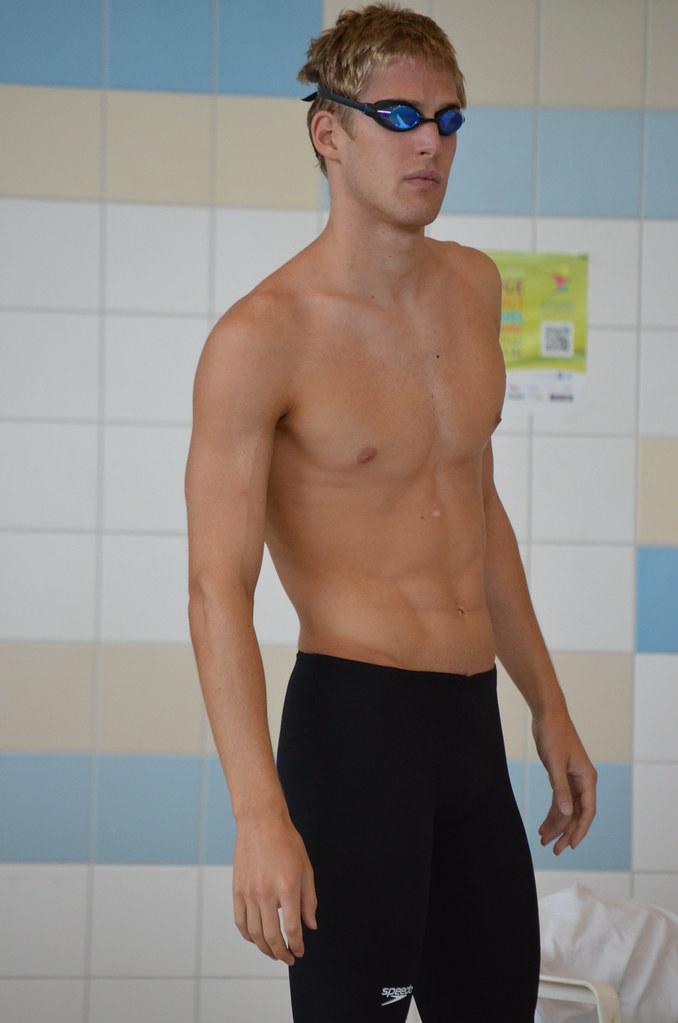 Schwimmer nackt gay 'Auf Nummer