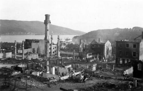Etter kampene i Narvik - Sentrum, Ankenes i bakgrunnen?