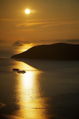 sunset bay boat nikon takamatsu nikkor fx 夕焼け yashima 湾 70300mmf4556gvr 屋島 d700 gettyimagesjapanq3 ©jakejung