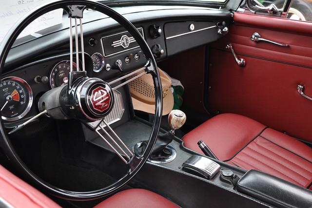 MG interior