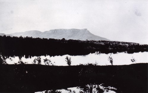 1921  The 'Bend in the Ord' and House Roof Hill on route to Argyle station - KHS-2011-15-18-P2-D | by Kununurra Historical Society