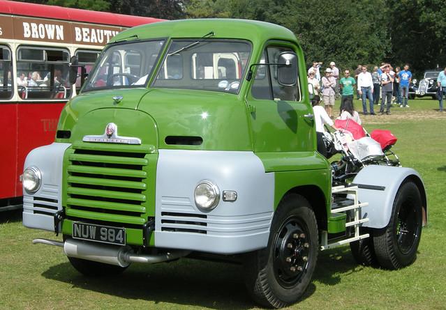 1954 Bedford Tractor Unit  NUW 984
