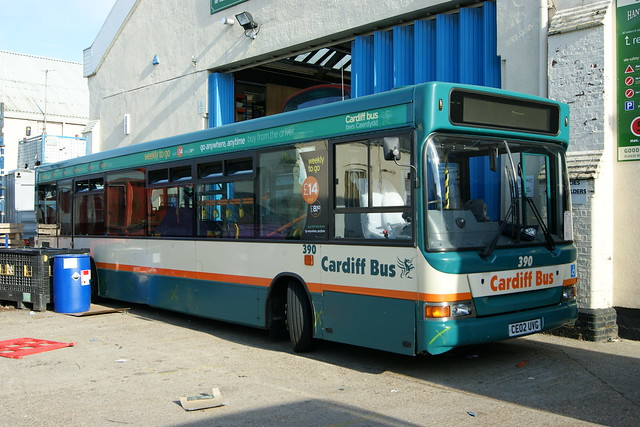 390 CE02UVG Cardiff Bus