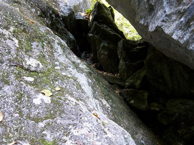 1:31:33 (100%): vermont bradford hiking cave devilsden wrightsmountain