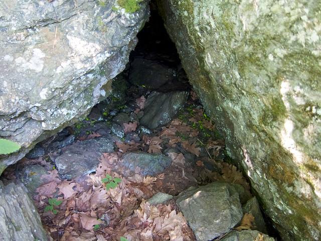 1:25:08 (93%): vermont bradford hiking cave devilsden wrightsmountain