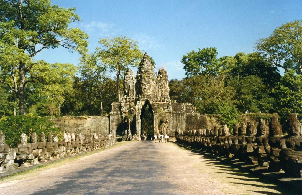Angkor Thom, South Gate | Angkor Thom, South Gate Angkor was… | Flickr