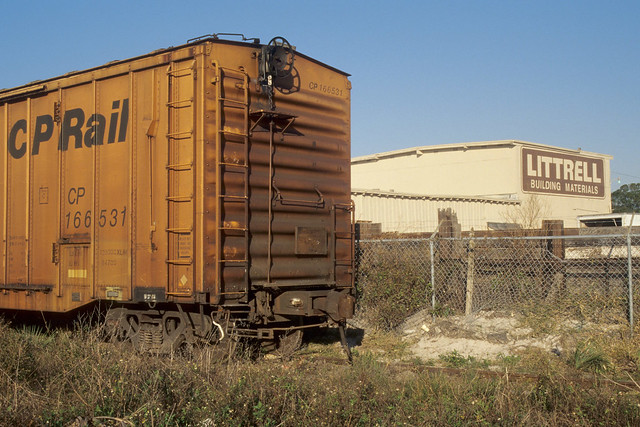 A boxcar waits on the Southside Spur in 2004 (Part 5 of 11)