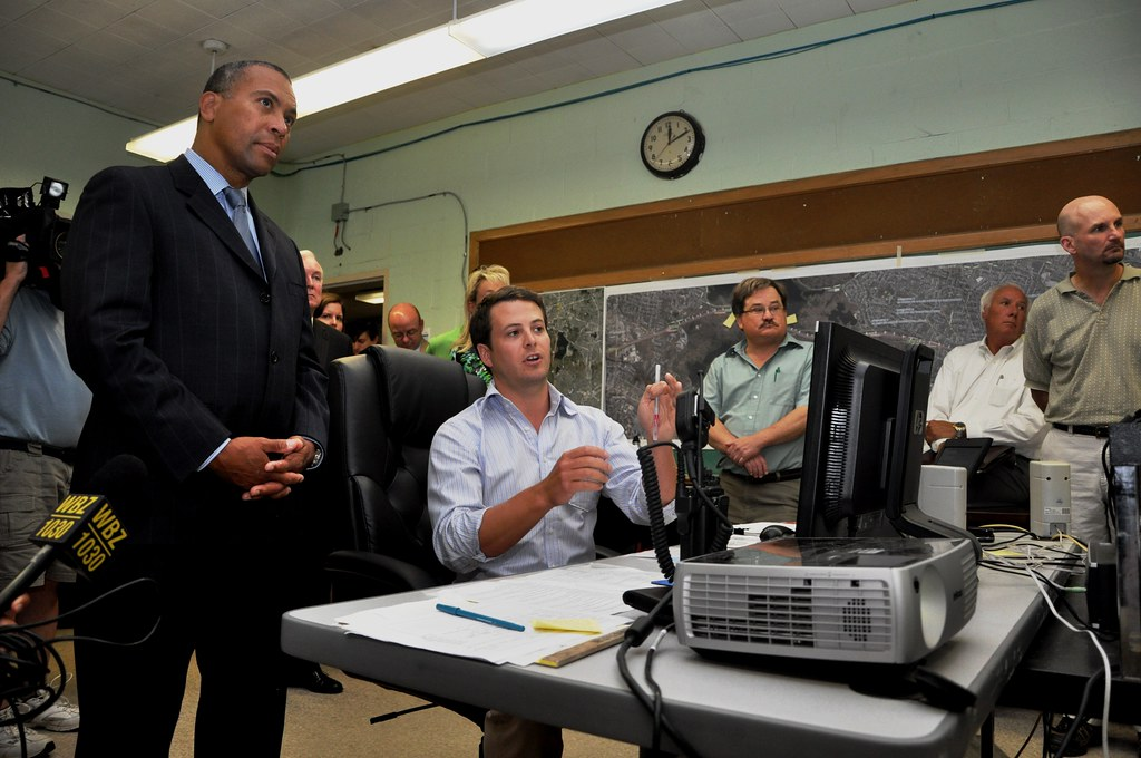 Governor Patrick visits the 93 Fast 14 Traffic Room, July 19