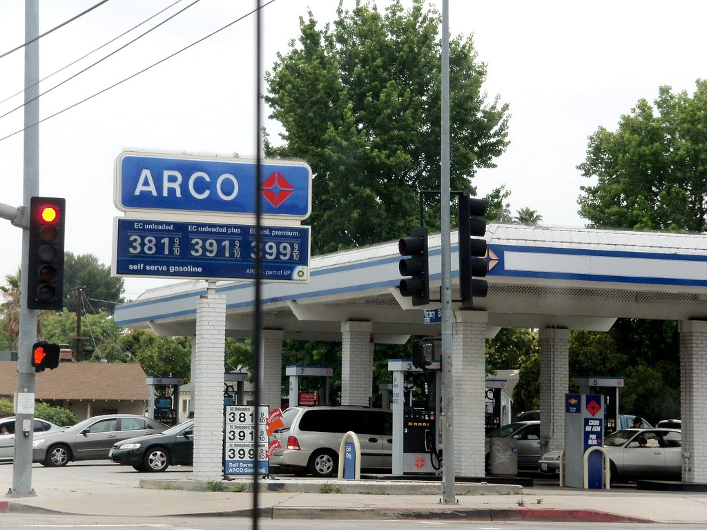Arco Gas Station Near Me >> Arco Gas Station Van Nuys Ca Clotee Pridgen Allochuku Flickr