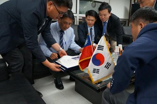 圖02.本會代表團拜訪韓國FKCU勞動同盟2