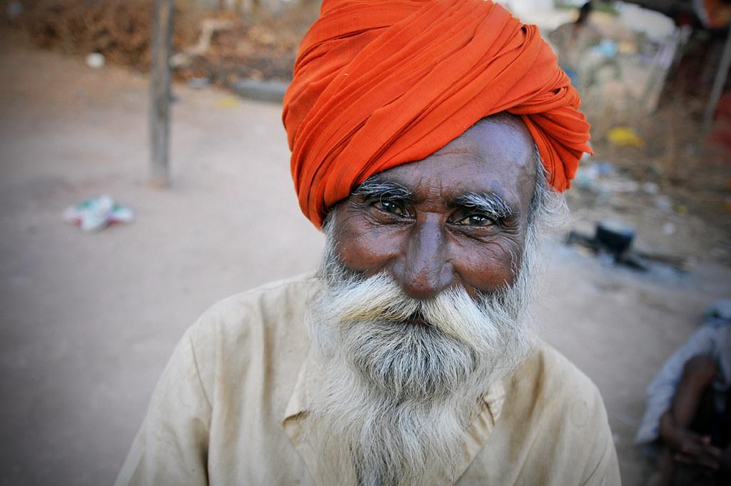 Kannath — Madari Snake Charmer   Wadipra, India -- www leoni