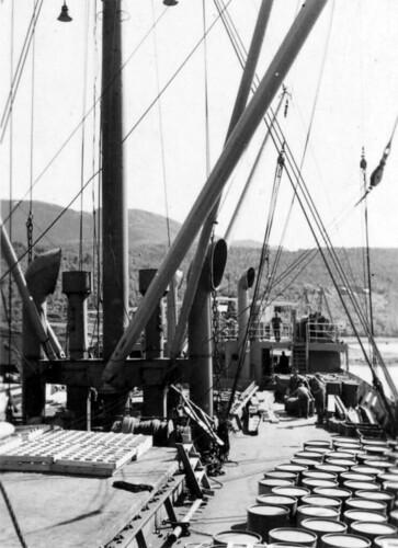 Båt ved Hemnesberget sommeren 1940