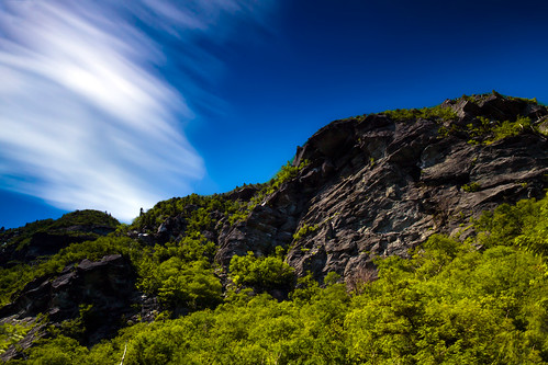 longexposure cliff usa mountain clouds canon rocks vermont smugglersnotch ndfilter sprucepeak sterlingrange canonefs1855mmf3556is canoneosrebelt1i
