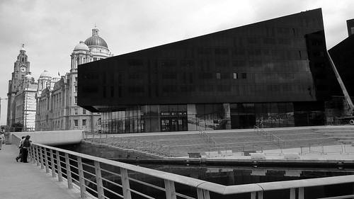 Liverpool: A city of Contrasts (22/07/2011)