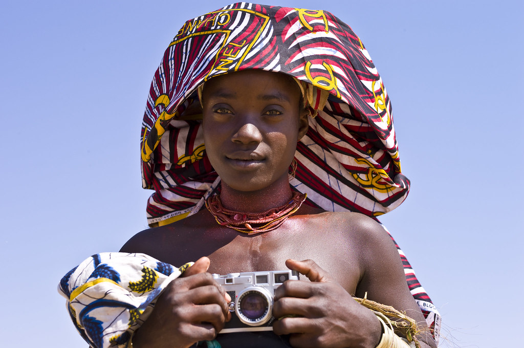 Mucubal with headscarf from Chanel and Leica M3, Virei, Angola